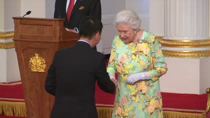 Two Singaporeans given Queen's Young Leaders Award | Video