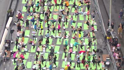 New York celebrates International Yoga Day | Video