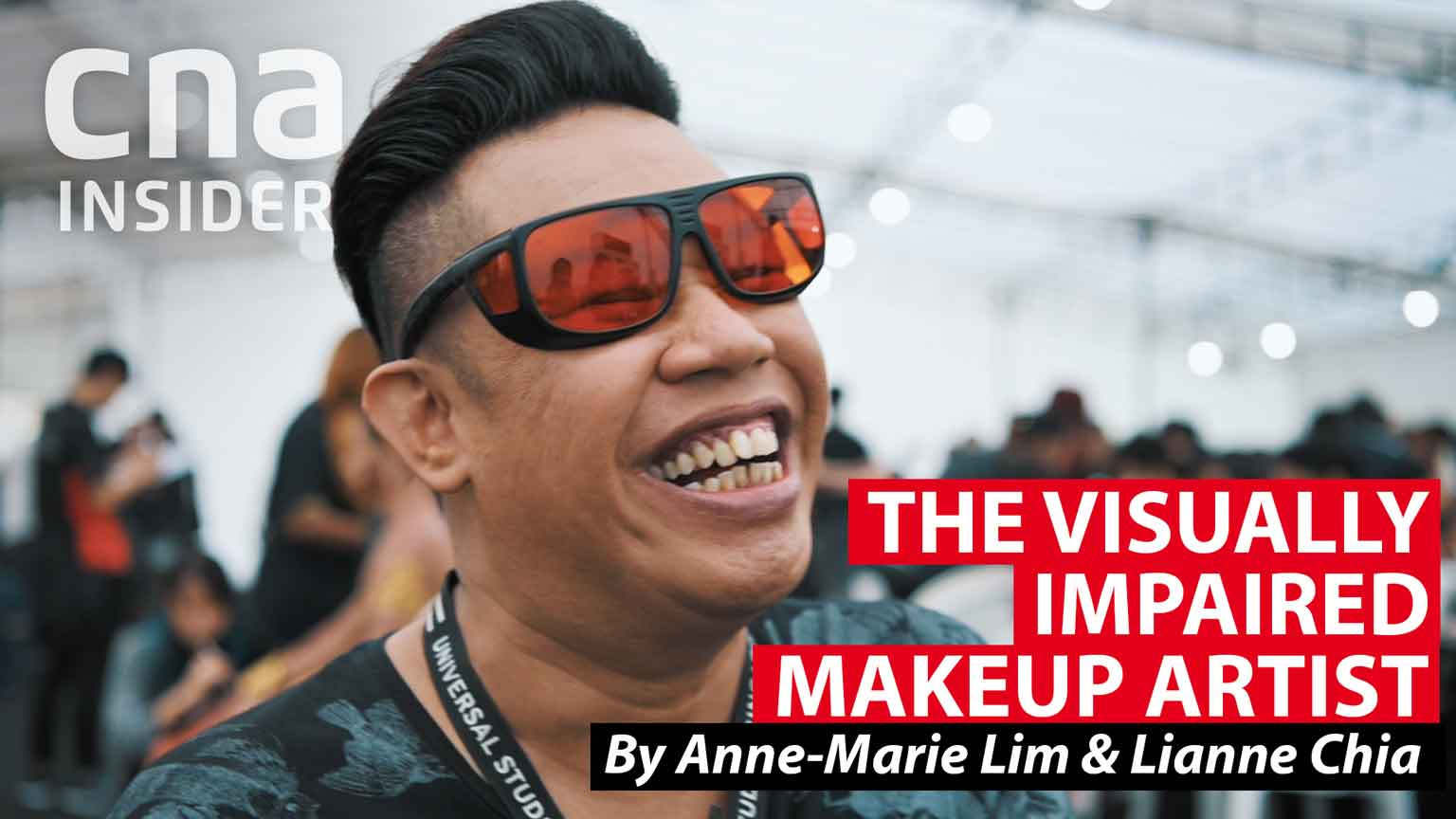 The visually impaired makeup artist