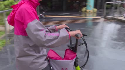 Food deliveries now take 20 minutes longer, say riders | Video