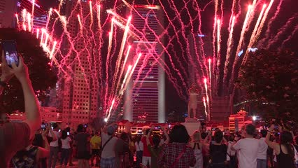 First NDP fireworks display at the Singapore River draws shutterbugs | Video