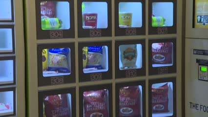 Disadvantaged Toa Payoh families to benefit from charity food vending machine | Video
