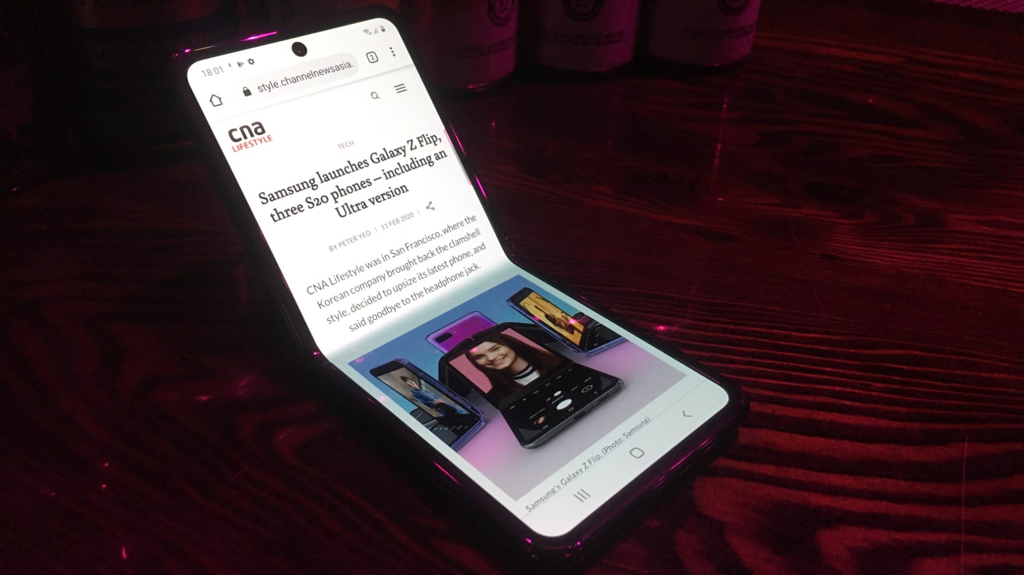 Quick look at how Samsung's Galaxy Z Flip works | CNA Lifestyle