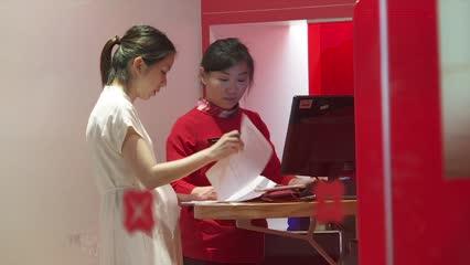 Singapore bank earnings: OCBC, UOB Q4 net earnings miss estimates | Video