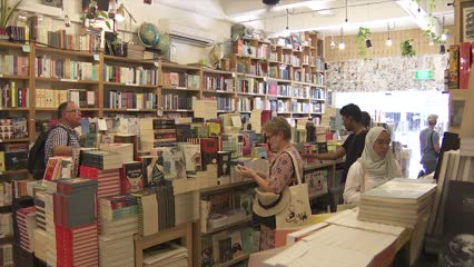 Singapore bookstores say business still sustainable after MPH stores close | Video