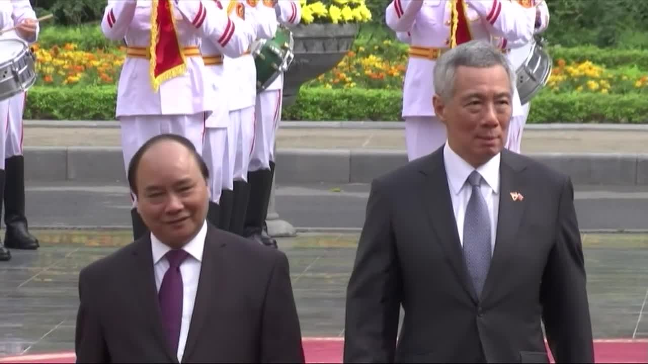 Singapore, Vietnam ink slew of MOUs in banking and infrastructure