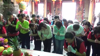 Temples and shrines transformed into battleground areas in Taiwan election race | Video