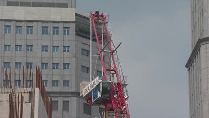 Enhanced crane safety requirements at public construction projects | Video