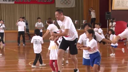 Japan's Olympians remember tsunami survivors | Video