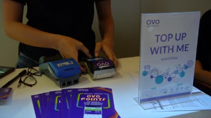 Fintech firm OVO claims lion's share of Indonesia's digital wallet transactions | Video