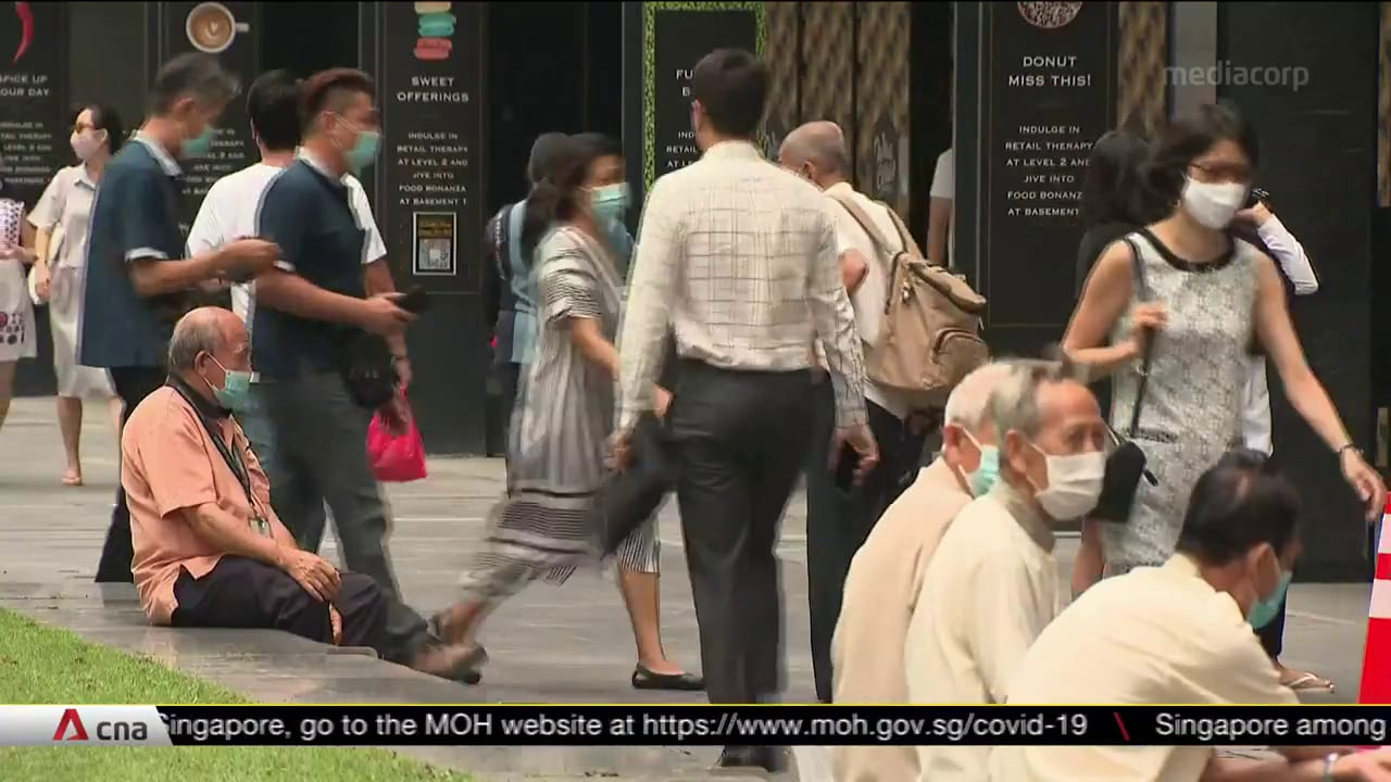 MAS rolls out measures to get more Singaporeans into financial services jobs, traineeships | Video