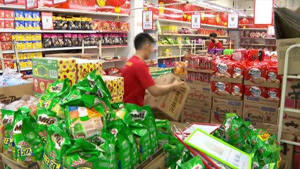 Return of 'sense of normalcy' observed at supermarkets and shops, say ministers | Video
