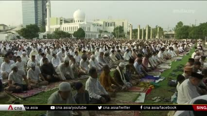 Indonesians overseas forced to abandon annual Eid exodus over COVID-19 | Video