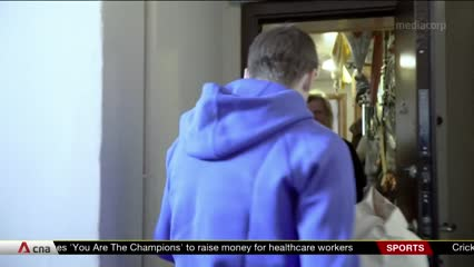 Russian football stars deliver food to fans, those in need amid COVID-19 pandemic | Video