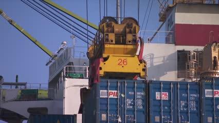 Singapore's December exports snap 9-month losing streak | Video