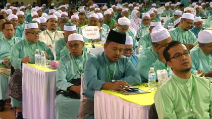 UMNO leaders attend PAS general assembly amid speculation of alliance | Video