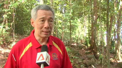PM Lee goes into Brunei jungle with SAF soldiers