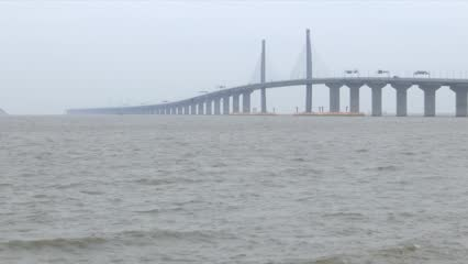 China's underused bridge Hong Kong-Zhuhai-Macau Bridge | Video