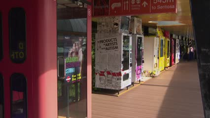 Vending machines sell chilli crab and face masks at Sentosa Boardwalk | Video