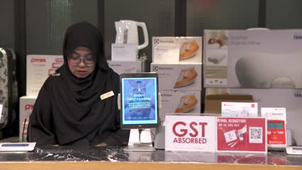 110 retailers in Orchard Road go GST free | Video