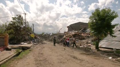 Plans to turn village devastated by Sulawesi earthquake into mass grave | Video