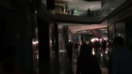 Experts question safety protocols during Raffles City blackout | Video