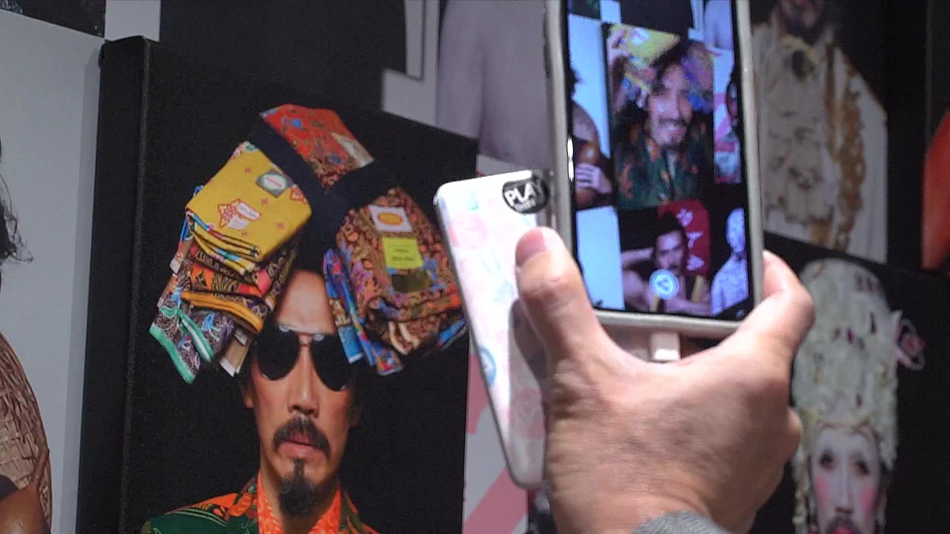 Singapore urban art exhibition opens in Paris   Video