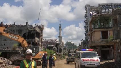 Conflict-torn Marawi ushers in Eid al-Fitr   Video
