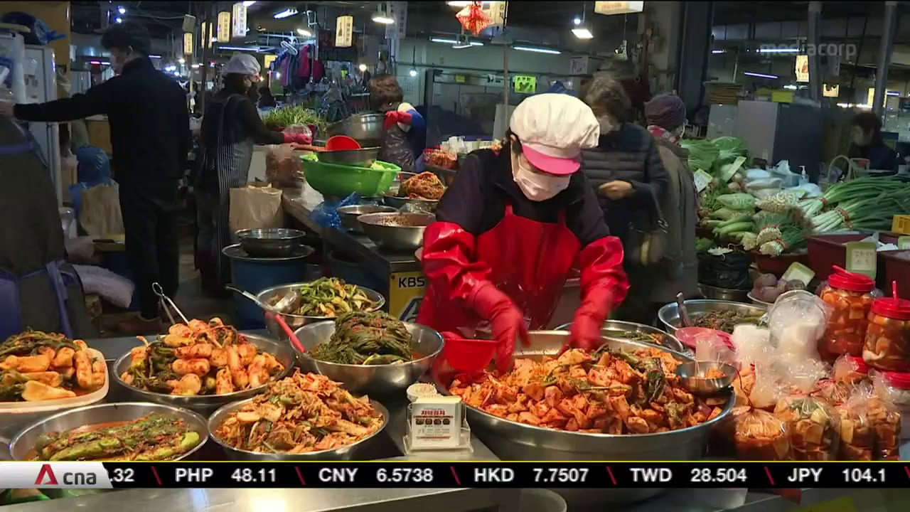 Extreme weather pushes up costs of making kimchi in South Korea | Video