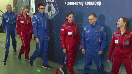 6 US and Russian scientists conduct 4-month experiment simulating moon mission | Video